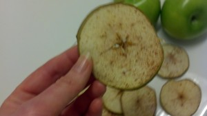 apple dehydrated, vegan, vegetarian, snack, treat